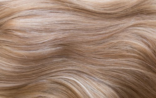Gem 25 - Gold & Creamy Blonde Highlights